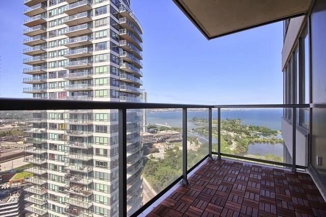 Condo Apartment at 2240 Lake Shore Blvd W, Unit 3106, Toronto, Ontario. Image 8