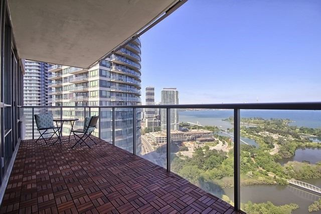 Condo Apartment at 2240 Lake Shore Blvd W, Unit 3106, Toronto, Ontario. Image 9