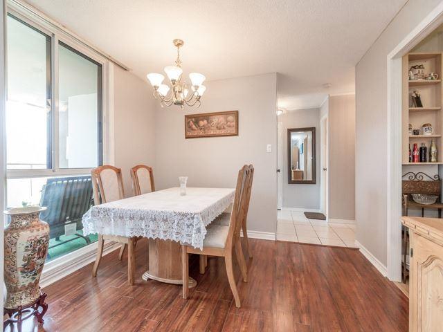 Condo Apartment at 1320 Mississauga Valley Blvd, Unit 814, Mississauga, Ontario. Image 12