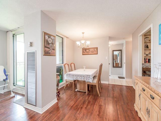 Condo Apartment at 1320 Mississauga Valley Blvd, Unit 814, Mississauga, Ontario. Image 13
