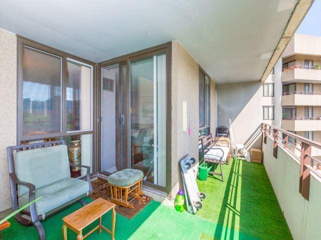 Condo Apartment at 1320 Mississauga Valley Blvd, Unit 814, Mississauga, Ontario. Image 7