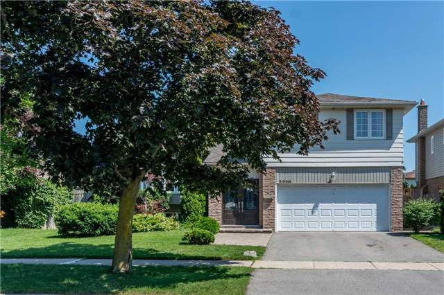 Detached at 2220 Urwin Cres, Oakville, Ontario. Image 12