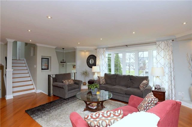 Detached at 2220 Urwin Cres, Oakville, Ontario. Image 18