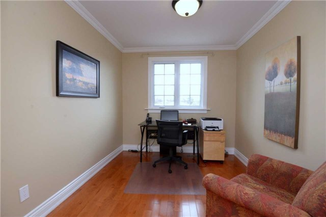 Detached at 2220 Urwin Cres, Oakville, Ontario. Image 8