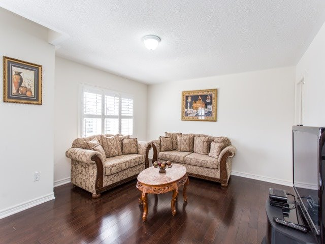 Detached at 8 Burlwood Rd, Brampton, Ontario. Image 3