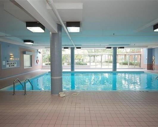 Condo Apartment at 265 Enfield Pl, Unit 1808, Mississauga, Ontario. Image 8