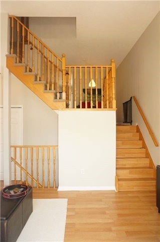 Condo Townhouse at 6060 Snowy Owl Cres, Unit 6, Mississauga, Ontario. Image 18