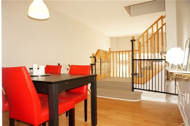 Condo Townhouse at 6060 Snowy Owl Cres, Unit 6, Mississauga, Ontario. Image 19