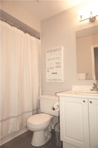 Condo Townhouse at 6060 Snowy Owl Cres, Unit 6, Mississauga, Ontario. Image 4