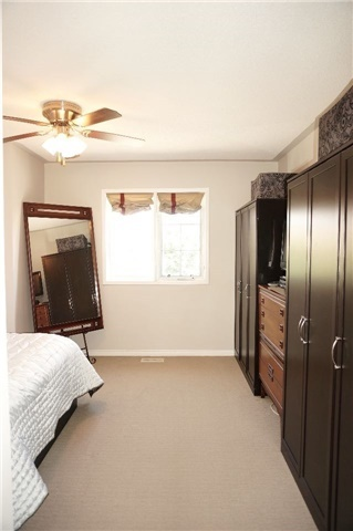 Condo Townhouse at 6060 Snowy Owl Cres, Unit 6, Mississauga, Ontario. Image 6