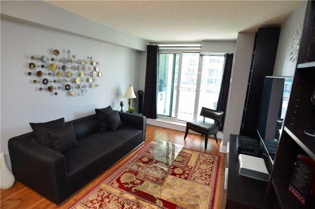 Condo Apartment at 2121 Lakeshore Blvd W, Unit 816, Toronto, Ontario. Image 18