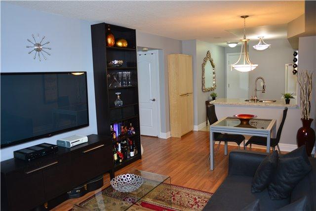 Condo Apartment at 2121 Lakeshore Blvd W, Unit 816, Toronto, Ontario. Image 20