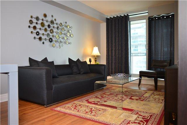Condo Apartment at 2121 Lakeshore Blvd W, Unit 816, Toronto, Ontario. Image 4