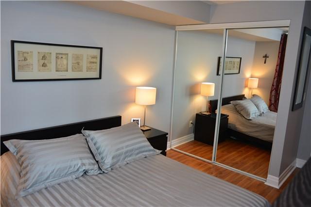 Condo Apartment at 2121 Lakeshore Blvd W, Unit 816, Toronto, Ontario. Image 5