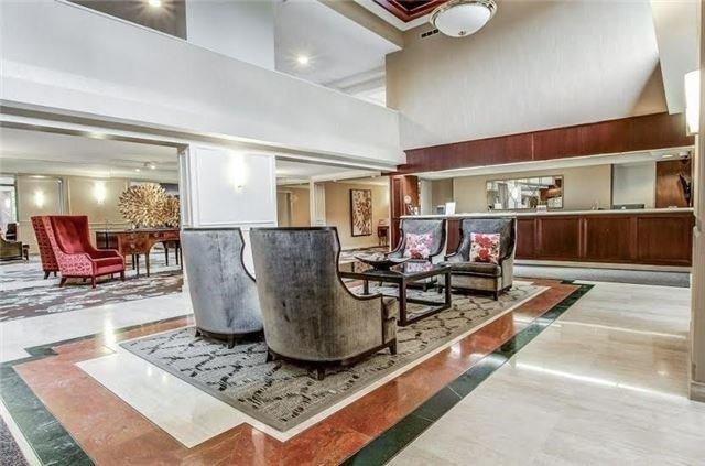 Condo Apartment at 1400 Dixie Rd, Unit 512, Mississauga, Ontario. Image 12