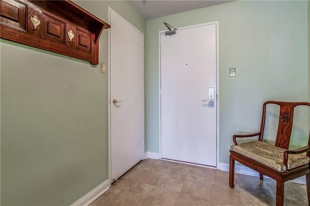 Condo Apartment at 1400 Dixie Rd, Unit 512, Mississauga, Ontario. Image 14