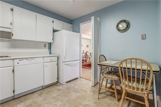 Condo Apartment at 1400 Dixie Rd, Unit 512, Mississauga, Ontario. Image 15
