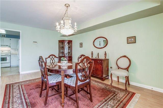 Condo Apartment at 1400 Dixie Rd, Unit 512, Mississauga, Ontario. Image 19