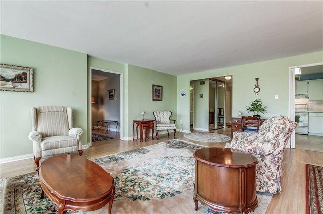 Condo Apartment at 1400 Dixie Rd, Unit 512, Mississauga, Ontario. Image 20