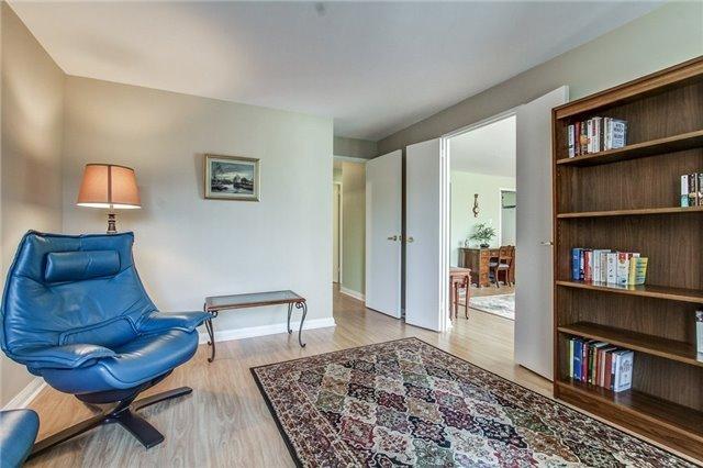 Condo Apartment at 1400 Dixie Rd, Unit 512, Mississauga, Ontario. Image 5