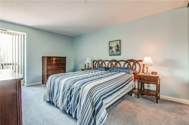 Condo Apartment at 1400 Dixie Rd, Unit 512, Mississauga, Ontario. Image 6