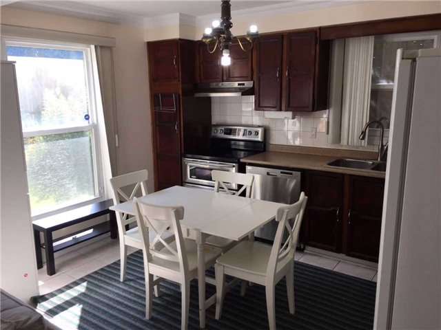 Detached at 4212 Wheelwright Cres, Mississauga, Ontario. Image 13