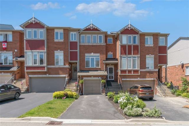 Townhouse at 12 Grey Owl Run, Halton Hills, Ontario. Image 1
