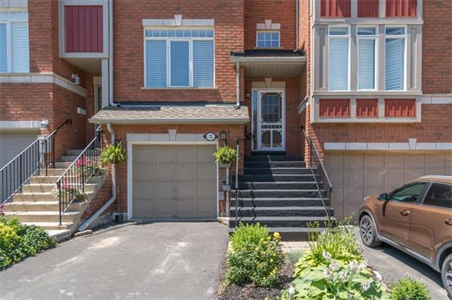 Townhouse at 12 Grey Owl Run, Halton Hills, Ontario. Image 12