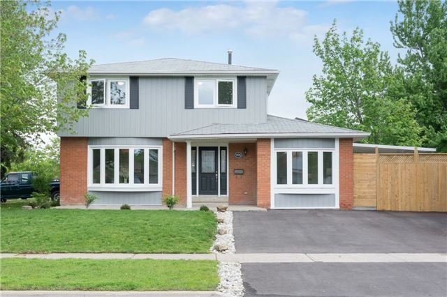 Detached at 906 Cabot Tr, Milton, Ontario. Image 1