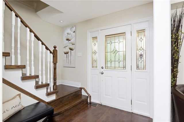 Detached at 906 Cabot Tr, Milton, Ontario. Image 12