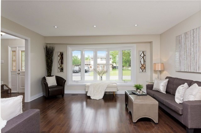 Detached at 906 Cabot Tr, Milton, Ontario. Image 17