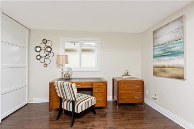 Detached at 906 Cabot Tr, Milton, Ontario. Image 11