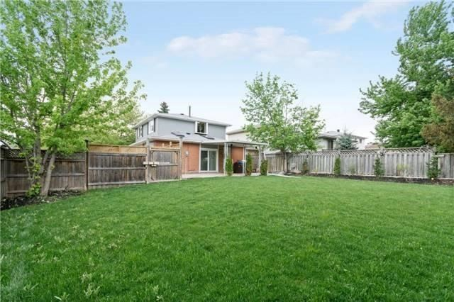 Detached at 906 Cabot Tr, Milton, Ontario. Image 13