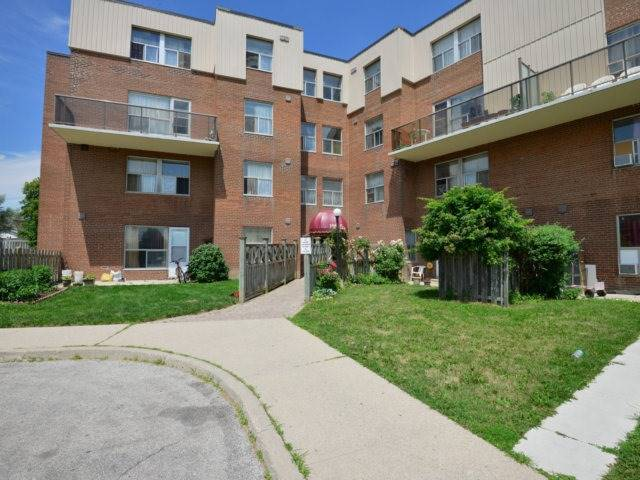 Condo Apartment at 1055B Forestwood Dr, Unit 222, Mississauga, Ontario. Image 1