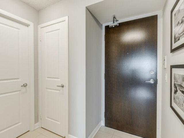 Condo Apartment at 215 Sherway Gardens Rd, Unit 2403, Toronto, Ontario. Image 15