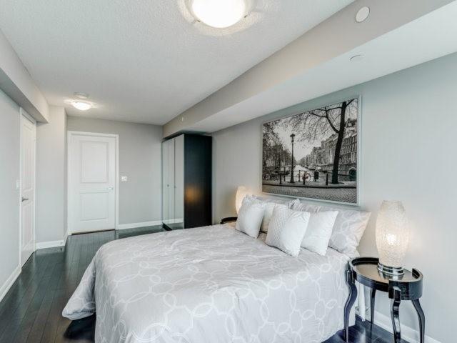 Condo Apartment at 215 Sherway Gardens Rd, Unit 2403, Toronto, Ontario. Image 20