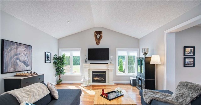Detached at 9 Castlewood Crt, Caledon, Ontario. Image 14