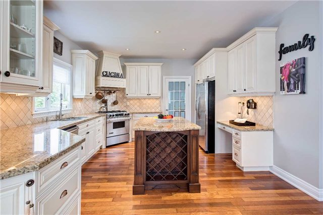 Detached at 9 Castlewood Crt, Caledon, Ontario. Image 17