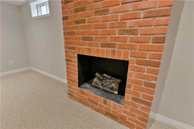 Condo Townhouse at 3350 Hornbeam Cres, Unit 23, Mississauga, Ontario. Image 9