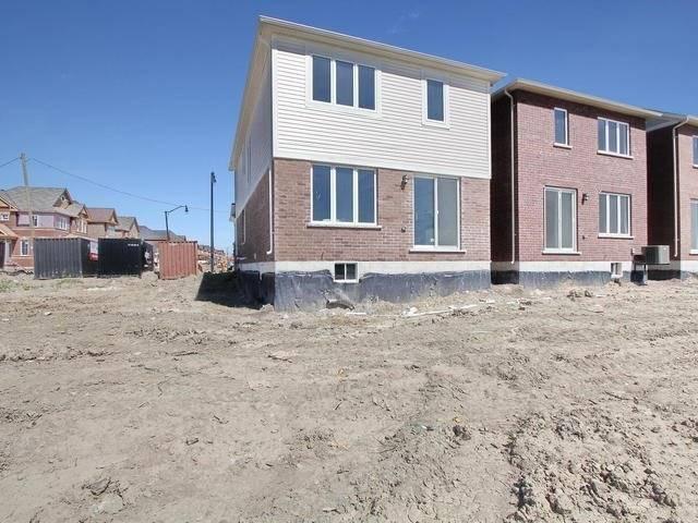 Detached at 11 Redfern St, Brampton, Ontario. Image 13