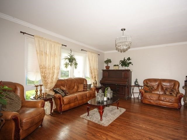 Detached at 570 Trafford Cres, Oakville, Ontario. Image 14