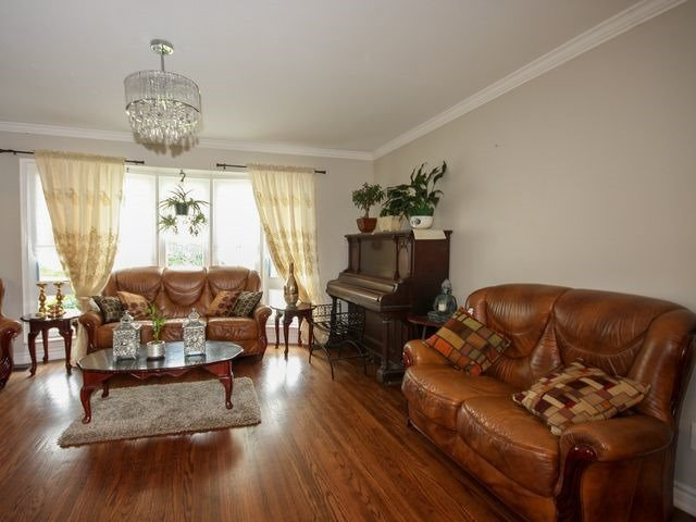 Detached at 570 Trafford Cres, Oakville, Ontario. Image 15