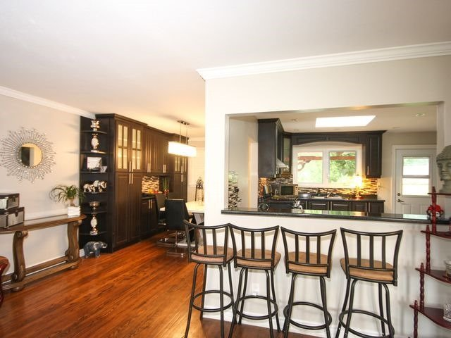 Detached at 570 Trafford Cres, Oakville, Ontario. Image 3