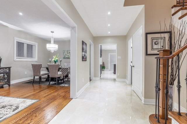 Detached at 6393 Seaver Rd, Mississauga, Ontario. Image 12
