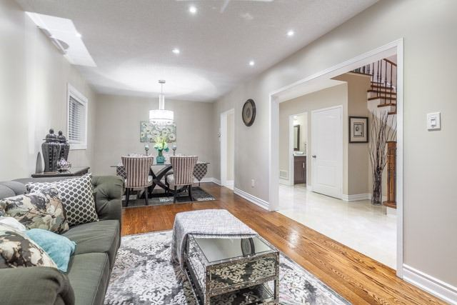 Detached at 6393 Seaver Rd, Mississauga, Ontario. Image 16
