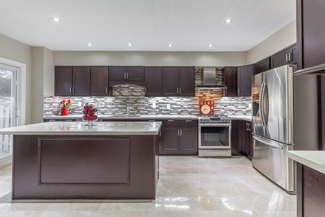 Detached at 6393 Seaver Rd, Mississauga, Ontario. Image 17