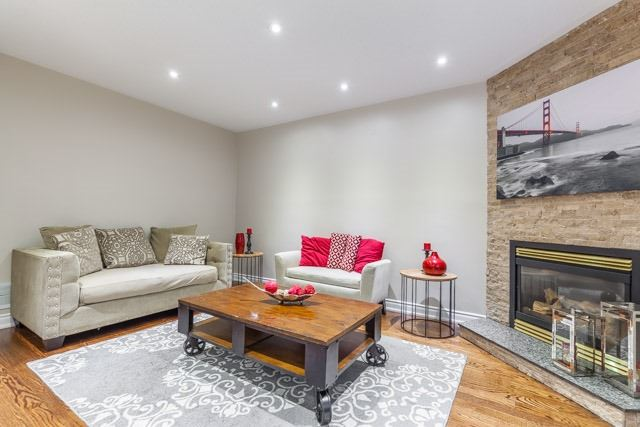 Detached at 6393 Seaver Rd, Mississauga, Ontario. Image 18