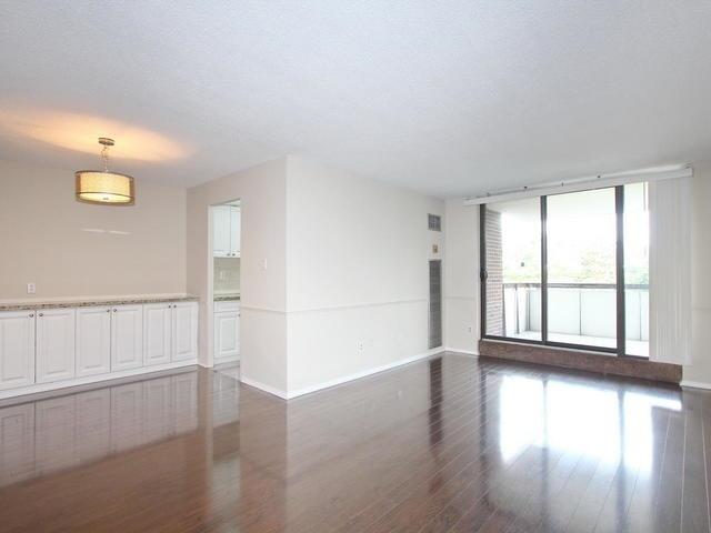 Condo Apartment at 3 Lisa St, Unit 302, Brampton, Ontario. Image 12