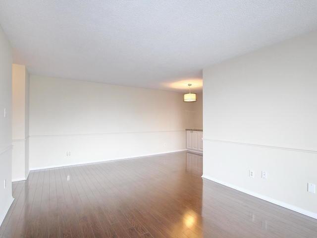 Condo Apartment at 3 Lisa St, Unit 302, Brampton, Ontario. Image 14