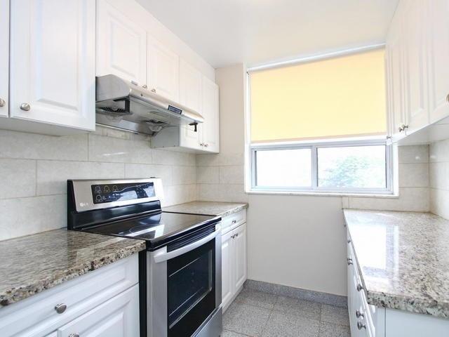 Condo Apartment at 3 Lisa St, Unit 302, Brampton, Ontario. Image 17